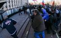 Người biểu tình Ukraine khẩn cầu Nga giúp đỡ