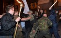 Tự vệ Maidan ẩu đả với người biểu tình cánh hữu tại Kiev