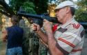 Lo ly khai miền đông, dân Mariupol học sử dụng vũ khí