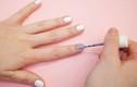Mẹo vặt giúp bạn tự sơn móng tay đẹp lung linh