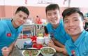 """Bộ ba hậu vệ Olympic Việt Nam """"đốn tim"""" fan với loạt ảnh đáng yêu"""