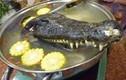 Rợn người với những món ăn kinh dị từ cá sấu