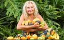 Nhan sắc trẻ trung của người phụ nữ chỉ ăn hoa quả thay cơm