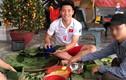 Xem cầu thủ Việt trổ tài gói bánh chưng đón Tết ra sao?