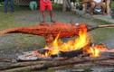 Hãi hùng món cá sấu nướng nguyên con ở Phillippines