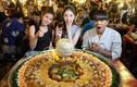 Đến Thái Lan xem vòng loại World Cup 2022, thử ngay món ăn siêu to khổng lồ này