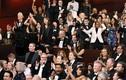 Sao Hollywood phản ứng lạ khi La La Land bị xướng nhầm giải Oscar