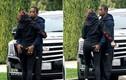 Kylie Jenner được tình mới âu yếm ngay trên phố