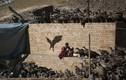 Kinh hãi cảnh kền kền ăn thịt xác chết ở Tây Tạng