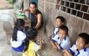 Cảm phục thầy giáo bám rừng, nuôi học trò nghèo