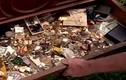Chuyện lạ hôm nay: Bỏ ít tiền mua tủ cũ... đổi đời ngoạn mục