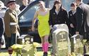 Chuyện lạ hôm nay: Chàng trai mặc váy bó đến đám tang, thì ra...