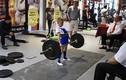 """Choáng váng lực sĩ nhí 11 tuổi nâng tạ 100kg """"dễ như bỡn"""""""