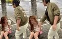 Hỗn láo với tài xế, hot girl diện đồ hớ hênh bị tát liên tục