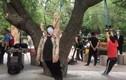 Cực dị phương pháp tập thể dục bằng cách treo cổ ở Trung Quốc