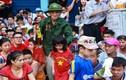 Cựu nữ quân nhân nghẹn ngào xem diễu binh tìm ký ức