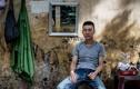 Độc: Thợ cắt tóc vỉa hè ở Việt Nam trên báo Anh