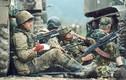 Bộ ảnh giá trị về binh lính Nga ở Chechnya năm 1990