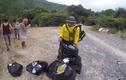 Hành động đẹp: Nhóm khách Tây nhặt rác ở Ninh Thuận