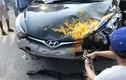 Xe hơi tông chết người rồi lao vào nhà dân