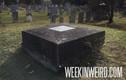 Kinh hãi ngôi mộ có thể nhìn thấy người chết trong quan tài