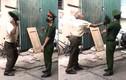 Xử phạt cụ ông 79 tuổi dùng mũ cối đánh công an