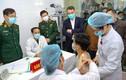 Cận cảnh TNV tiêm mũi vaccine COVID-19 đầu tiên tại Việt Nam