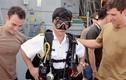 Sĩ quan Hải quân Việt Nam tập dùng trang bị lặn Mỹ