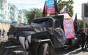 Dân quân Lugansk, Ukraine diễu binh với vũ khí lạ
