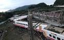 Video: Toàn cảnh thảm kịch đường sắt ở Đài Loan khiến gần 200 người thương vong