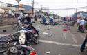 Video: Nhân chứng kể lại khoảnh khắc container tông hơn 20 xe máy