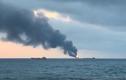 Video: Tàu Nga bốc cháy ngùn ngụt trên eo biển Kerch