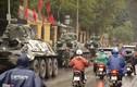 """Video: Xe bọc thép """"vây kín"""" bảo vệ quanh khách sạn Melia, Hà Nội"""