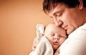 Mẹo dỗ trẻ nín khóc cực kỳ hiệu quả dành cho bố