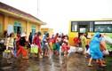 Cảnh dân miền Trung trốn chạy siêu bão Haiyan