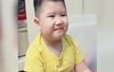 """Video: Phản ứng đáng yêu của bé trai khi nghe giọng nói """"chị Google"""""""
