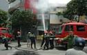 Cụ bà 80 tuổi thoát chết khỏi đám cháy giữa trưa ở Hà Nội