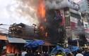Ảnh: Siêu thị 6 tầng cháy rụi, hàng trăm người dân hoảng loạn