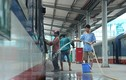 Cuộc sống nhộn nhịp ở ga Hà Nội trước đề xuất di dời