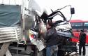 Xe tải va chạm trên cầu Thăng Long một người tử vong