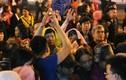 Hàng trăm người chèn ép, giành giật lộc chùa Phúc Khánh