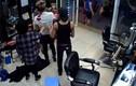 Lộ nguyên nhân nổ súng bắn nhau trong tiệm cắt tóc ở Hà Nội
