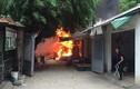 Hiện trường lửa cháy đỏ rực ở chợ Quang, Hà Nội