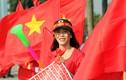 Cờ đỏ sao vàng nhuộm đỏ đường phố Hà Nội trước trận Việt Nam - Philippines
