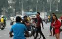 Phe vé trận Việt Nam - Philippines chặn đường, kéo người hâm mộ