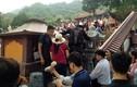 Ngán ngẩm những hình ảnh phản cảm trong ngày khai hội chùa Hương