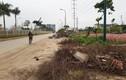 Hà Nội: Dân ngán ngẩm đi trên con đường nhếch nhác, bụi bẩn
