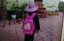 Bé gái ở chùa Sùng Quang đang hoảng sợ, gào khóc khi thấy người lạ