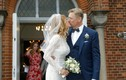 Ngôi sao huyền thoại Peter Schmeichel cưới cựu người mẫu Playboy