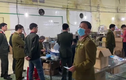 """""""Đột kích"""", bắt quả tang Cty Việt Hàn sản xuất khẩu trang y tế bằng...giấy vệ sinh"""